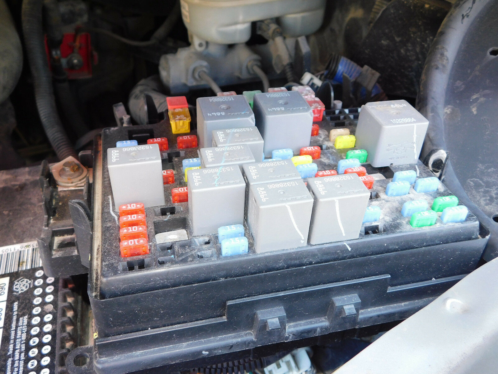 2006-2007 Chevy Silverado/GMC Sierra 1500/2500/3500 Fuse Box Panel 6.0L oem