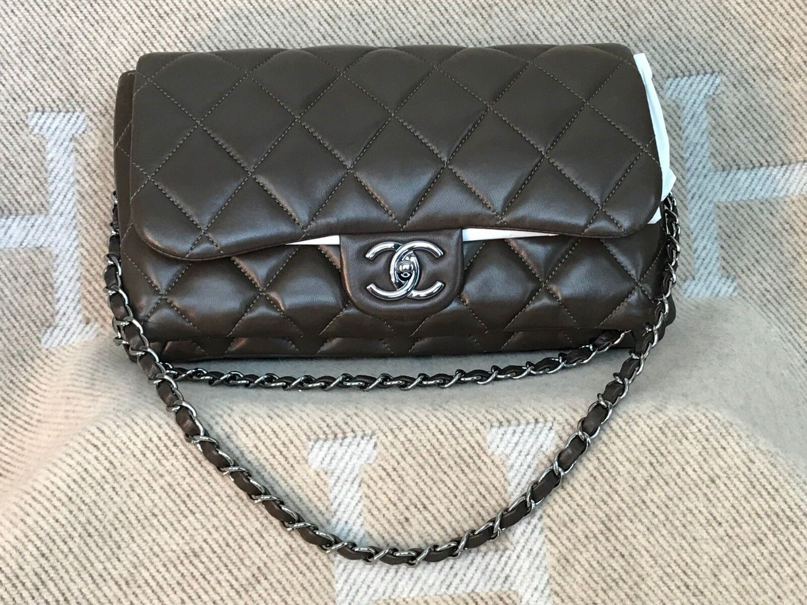 AUTHENTIC CHANEL CLASSIC BAG WITH FLAP GORGEOUS DARK KHAKI NEW wTAGS
