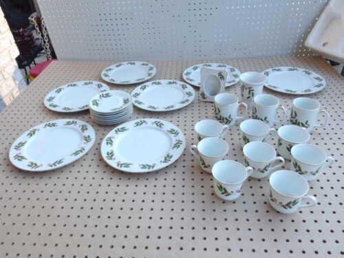 Fine China of Japan CHRISTMAS HOLLY Berry Plates, Coffee, Tea Cups, Saucers, etc