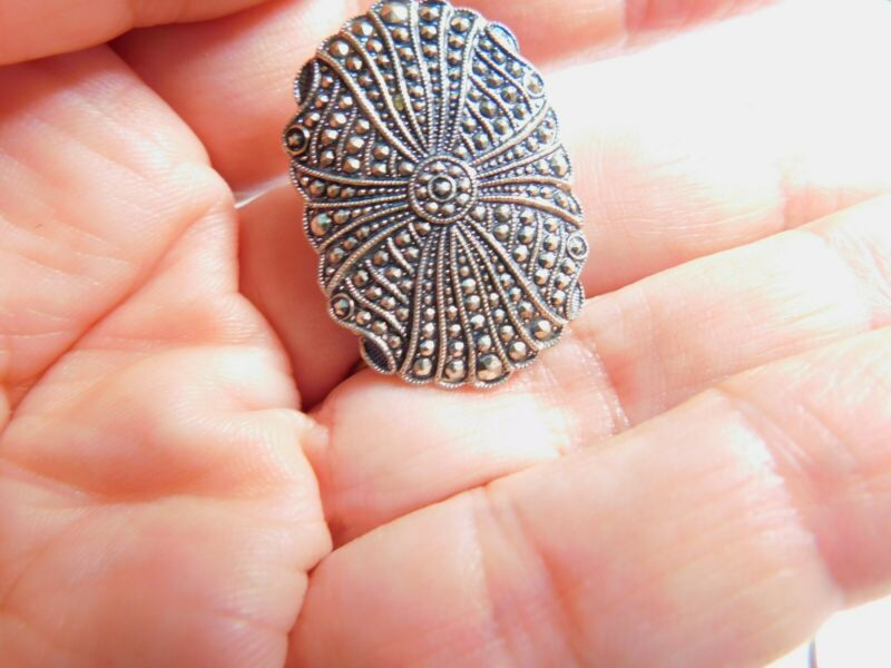 Oval Faux Marcasite Silver Tone Metal Scarf Clip Vintage