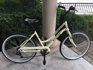 Barely used 2017 CCM Annette Confort Bike