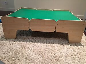 Train/toy/lego/puzzle/ building surface table