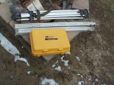 Berger Instruments Model 200b Surveying Level Transit-level With Tripod And Meas