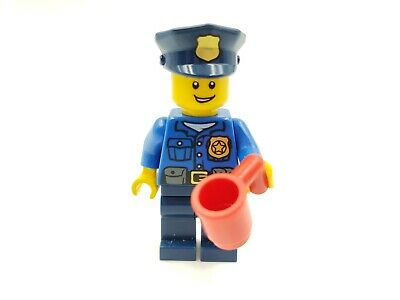 Lego Minifigure hOL042 Gold Badge Police Hat Open Grin Holiday & Event Christmas