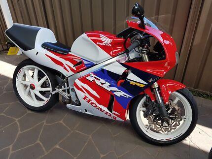 HONDA RVF400 Motorcycle