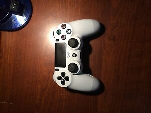 PS4 controller, Watch Dogs 2, BO3, FIFA 15