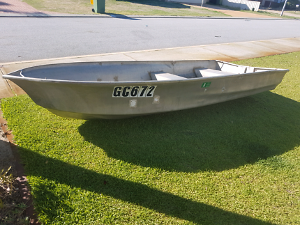 Dinghy. Licenced until March 2018