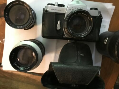 Old camera with two lenses