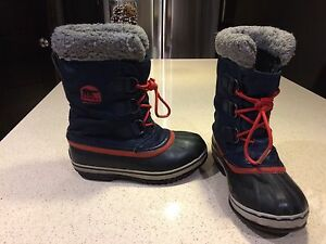 Boys Sorel winter boots - size 3