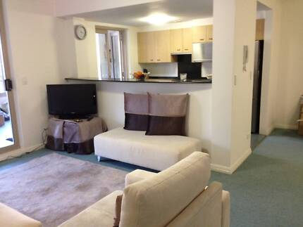 Healthy, Happy, Professional Lady's Room with Own Bathroom! Woolloomooloo Inner Sydney Preview
