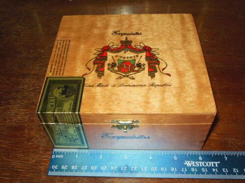 (1) Arturo Fuente  Exquisitos Empty Wood Cigar Box   Purse Stash Diddly Bow