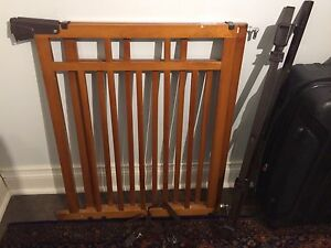 Summer Infant Deluxe Gate Top of Stairs