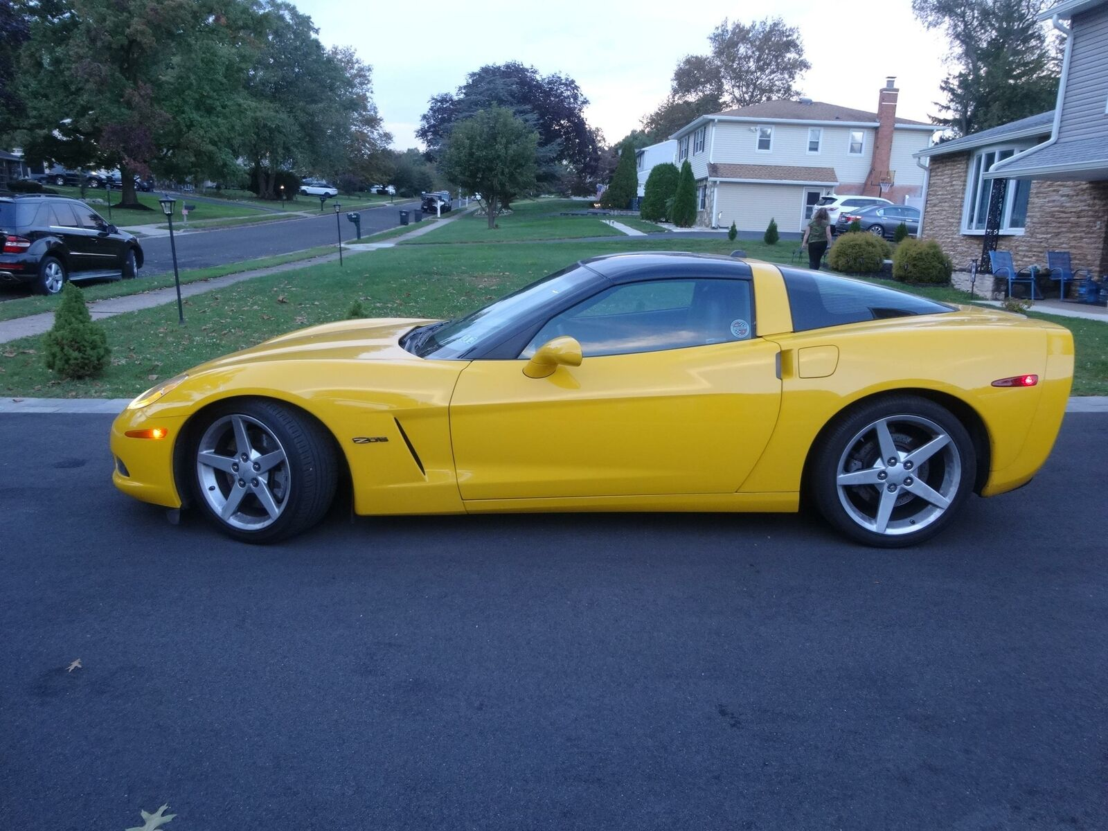 2005 Yellow Chevrolet Corvette     C6 Corvette Photo 1