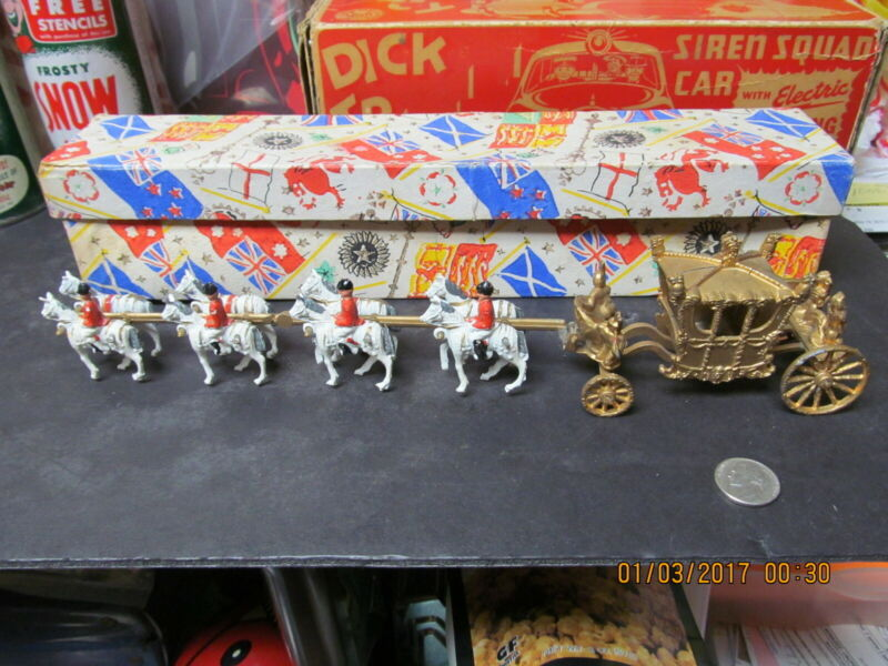 "QUEEN ELIZABETH CORONATION COACH OR CARRIAGE & 8 HORSES 12.25"" DIECAST BOXED"