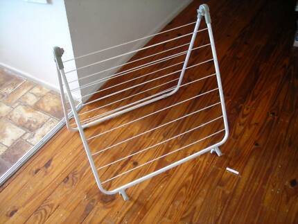 Indoor Clothesline Over Bathtub Clothes Airer