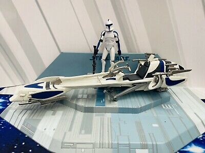 STAR WARS CLONE WARS  MINT  ACTION FIGURE-501st  CLONE TROOPER &  BARC SPEEDER