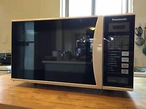 Microwave Oven - Panasonic Hampton Bayside Area Preview