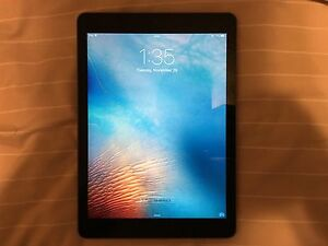 iPad Air 128 GB Wi-Fi Space Grey