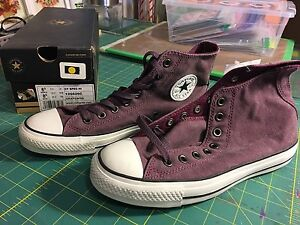 New in Box - Converse High Tops - Size 6.5 men's/8.5 women's