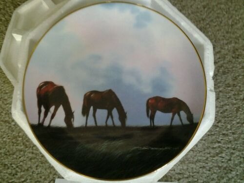 "Danbury Mint 1992 HORSE COLLECTOR PLATE ""Grazing the High Meadow"" w certificate"