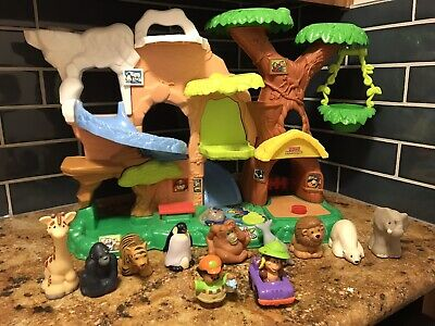 2011 Fisher-Price Little People Zoo Talkers Tree House Play Set With 9 Animals