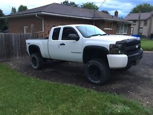 2007 Chevrolet Silverado 1500 LT 4x4 4.8L safetied and e-tested