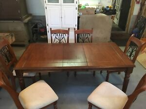 TABLE w/ Extension and 4–6 MATCHING CHAIRS