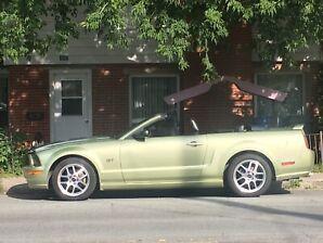 2006 Mustang GT Premium convertible 5 vitesses manuel
