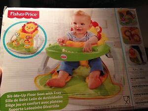 Brand New Fisher Price Sit-Me Up Floor Seat with tray