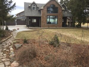 Waterfront home in Beamsville lakefront