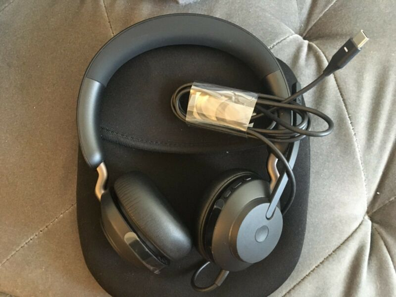 Jabra Evolve2 40 UC Wired Headphones USB-C Stereo With USB C TO USB A adapter