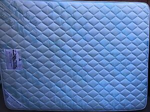 Queen size mattress - very good condition and free Manly Manly Area Preview