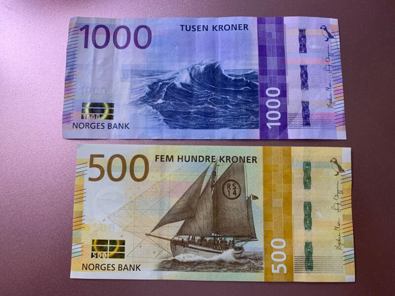 1000 + 500 Norway Kroner Banknotes. 1500 Norwegian Kroner Total. 2 Cir Bills