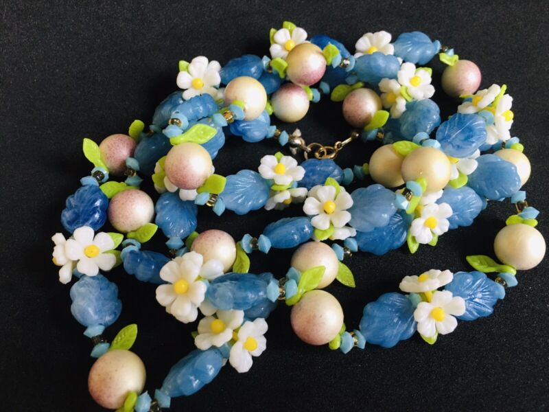 """Vtg White Daisies Blue Leaves Carved Celluloid 52"""" Necklace Early Plastic 30's"""