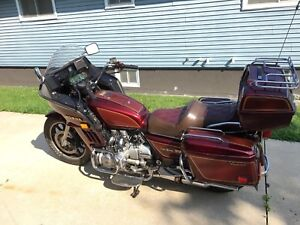 Beautiful clean 1983 Goldwing Aspencade! Low Km's!!