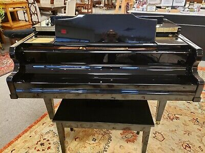 Kimball Viennese Classic P520 Baby Grand Piano in Black Lacquer Black Classic Grand Piano