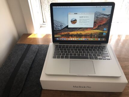 Apple Macbook 13.3 inch (Early 2015)