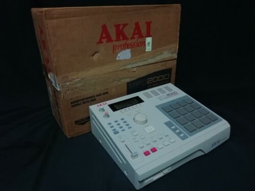 Akai MPC2000 MIDI Production Center Sampler Sequencer w/ Box Very Good Condition