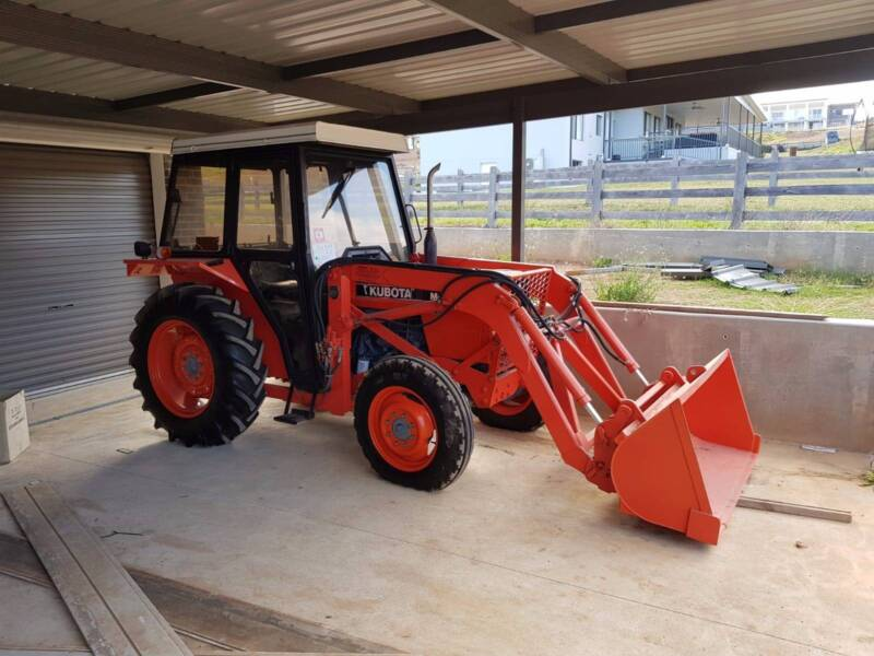 Tractor Kubota M4030 DT 4WD | Farming Vehicles | Gumtree