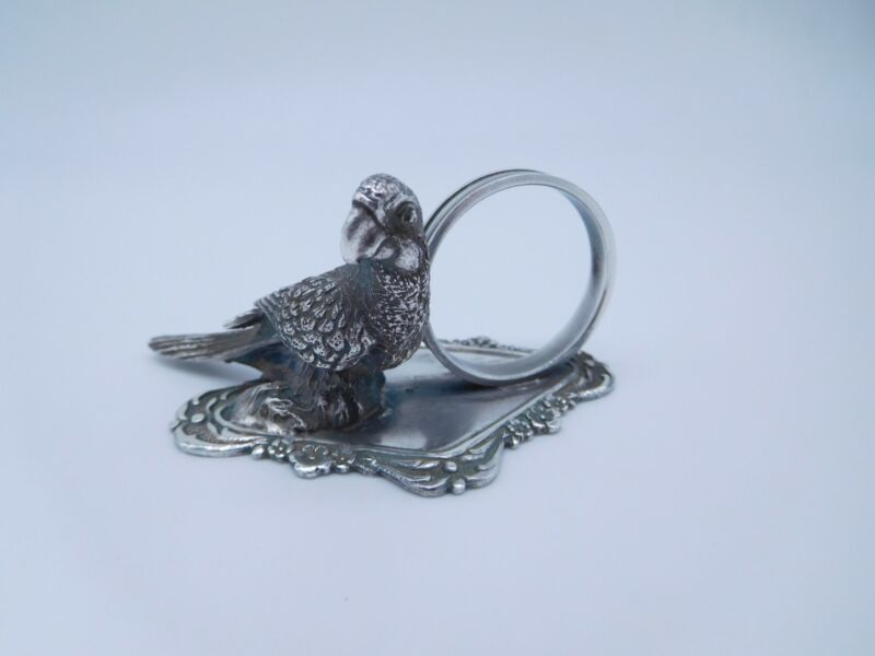 LOVELY VICTORIAN SILVER PLATED FIGURAL PARROT BIRD NAPKIN RING
