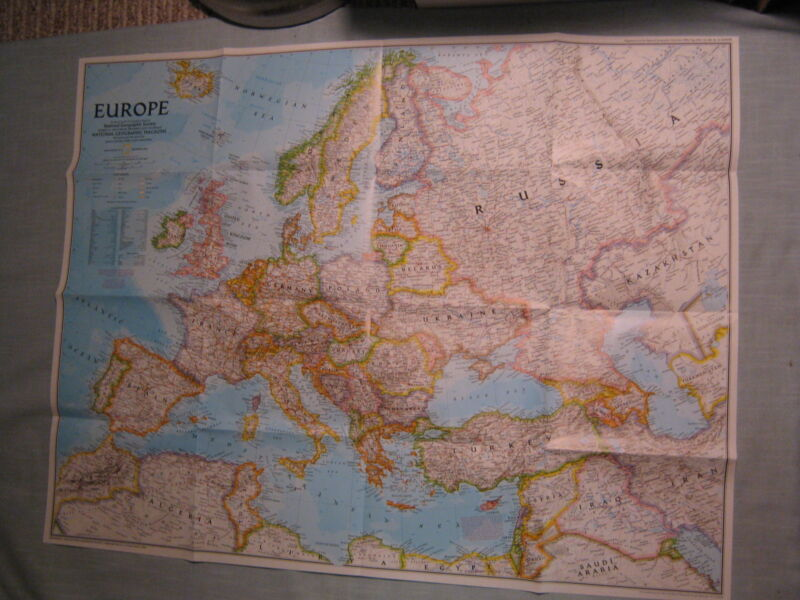 THE NEW EUROPE MAP National Geographic December 1992 MINT