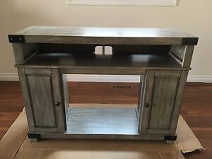 Media Mantel TV stand