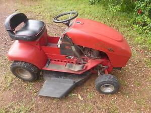 Cox ride on mower Litchfield Area Preview