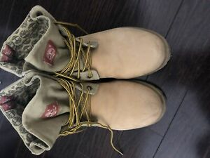 Authentic timberland boots size 9