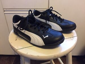 *Brand New* Puma Indoor Soccer/Court Shoes