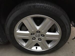 """18"""" rim and tire from 2005 Chrysler 300  Cambridge Kitchener Area image 1"""