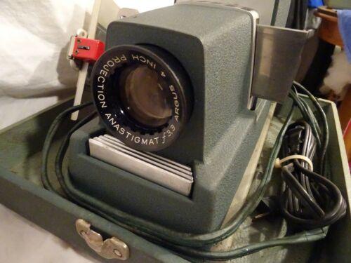 Vintage Argus 300 Slide Projector in Carrying Case machine works All Original