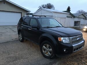 2011 Ford Escape AWD Limited edition