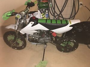 Dirtbike fully custom 2017 125cc 4 stroke parts listed below