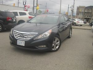 2011 HYUNDAI SONATA LIMITED EDITION | Auto • Roof